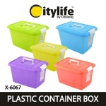 Colourful containers by Citylife
